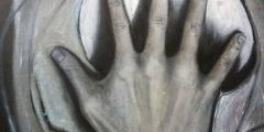 grey-hands-2